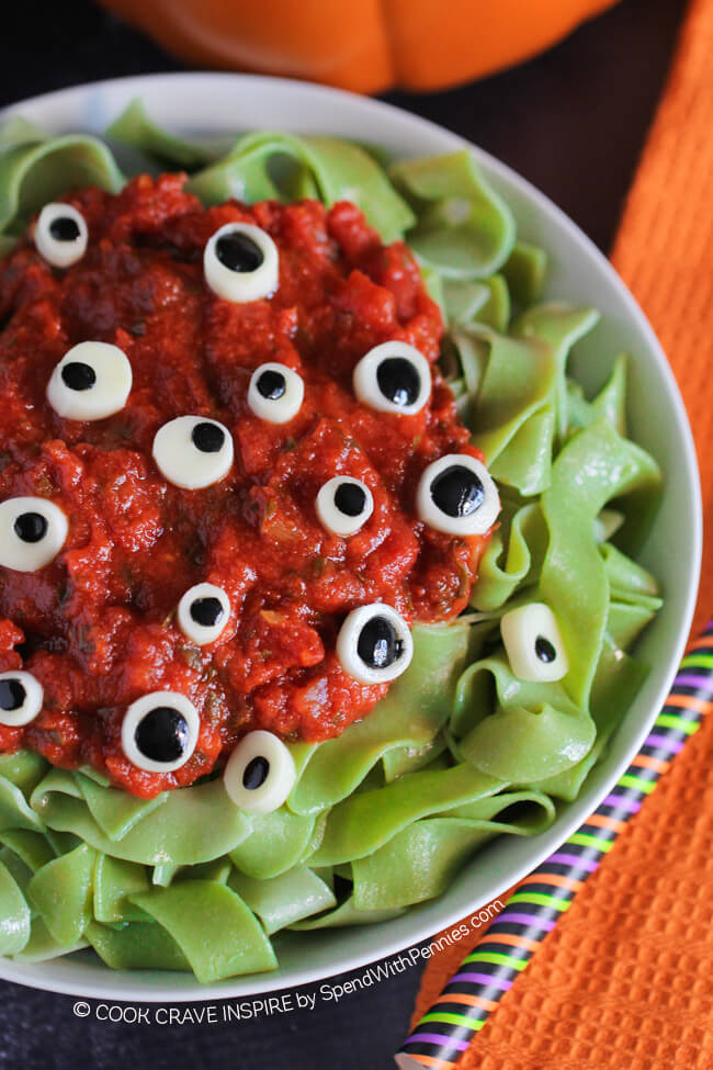 17 halloween dinner ideas holidaysmart 17 halloween dinner ideas forumfinder Choice Image