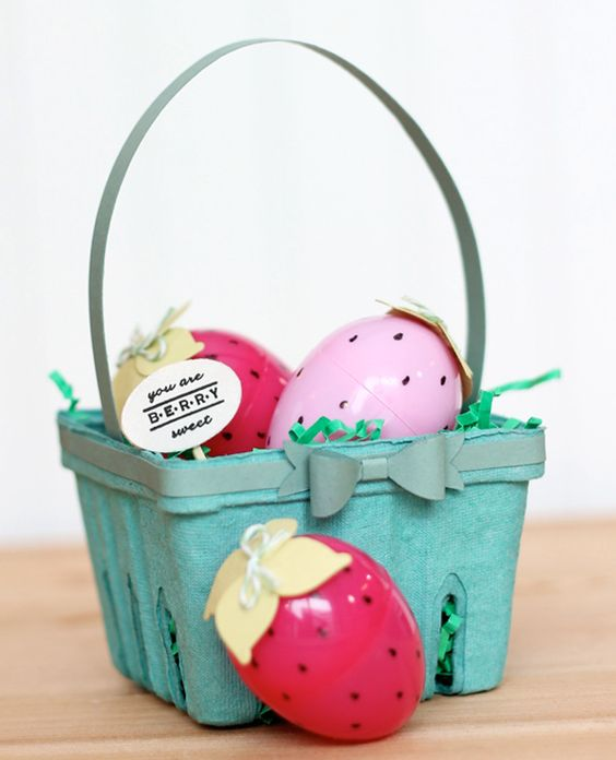 12 Fun Ways to Decorate Your Plastic Easter Eggs