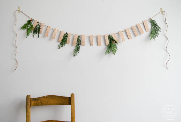 22 Festive DIY Christmas Garland